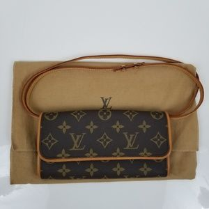 Authentic EUC Louis vuitton Twin Puchette PM